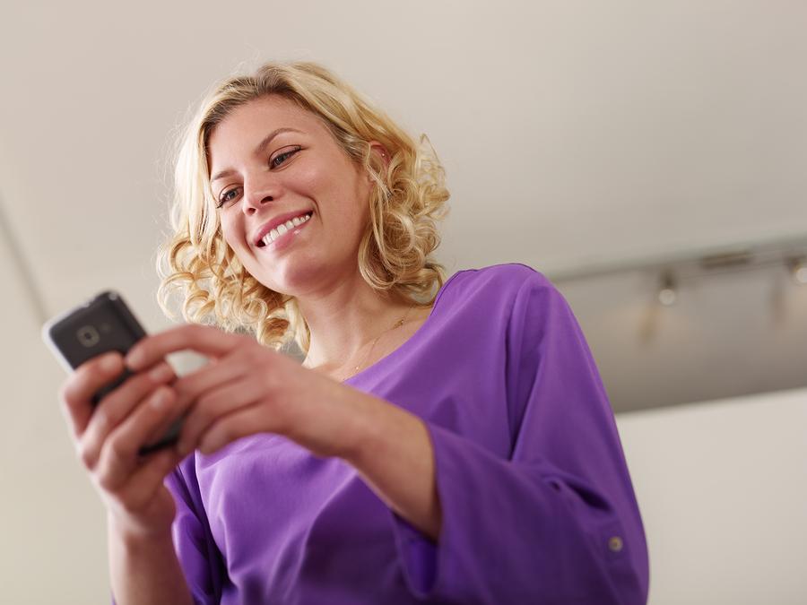 Smartphone Trends - Woman using smartphone