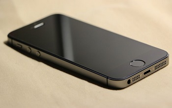 Global iPhone Shippments Predictions - Image of iPhone 5S