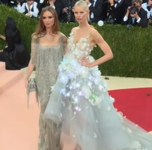 Wearable Technology Fashion - Karolina Kurkova in Marchesa Cognitive Dress at 2016 Met Gala