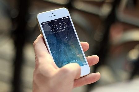 Mobile Roaming Fees - Smartphone User